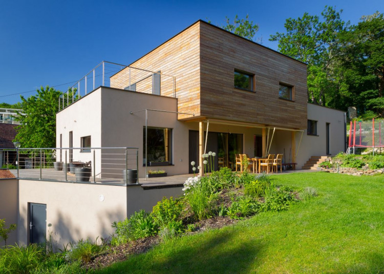 Houses built with EcoCocon panels challenge the construction industry with minimising the environmental impact compared to